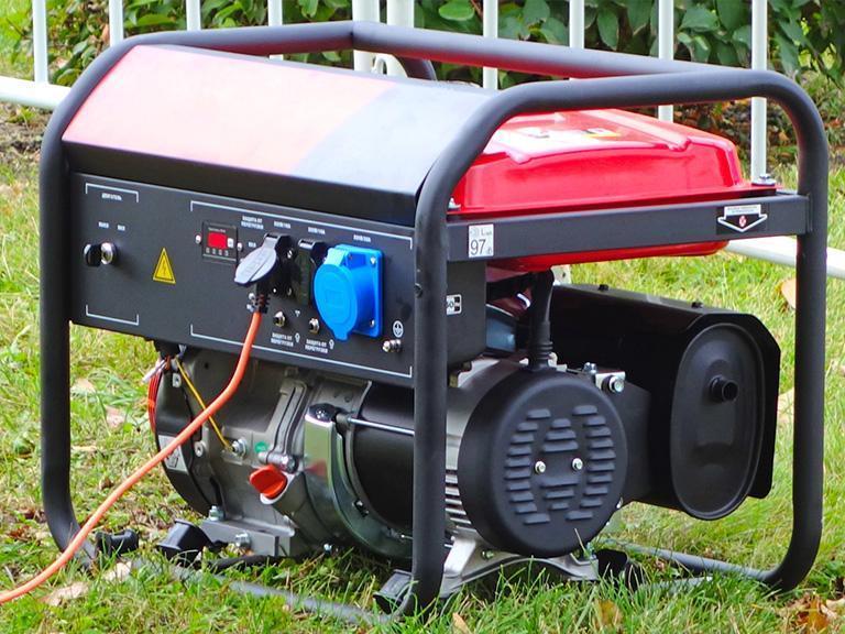agregat prądotwórczy natrawie
